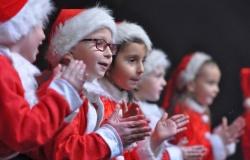Tłumy na kiermaszu świątecznym w Pietrowicach Wielkich