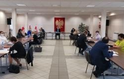 XVIII Sesja Rady Gminy Pietrowice Wielkie stacjonarnie, ale zupełnie inna niż dotychczasowe